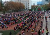 貴陽市公安局特警組織演練 3200余名學生5分鐘疏散完畢