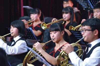余慶舉辦紀念遵義會議80周年新年音樂會