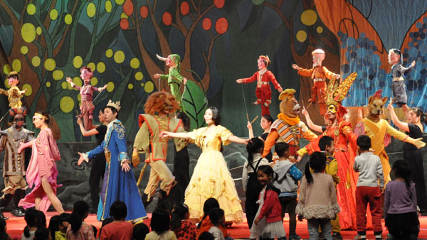 最佳兒童劇金獎《新白雪公主》在平塘開演