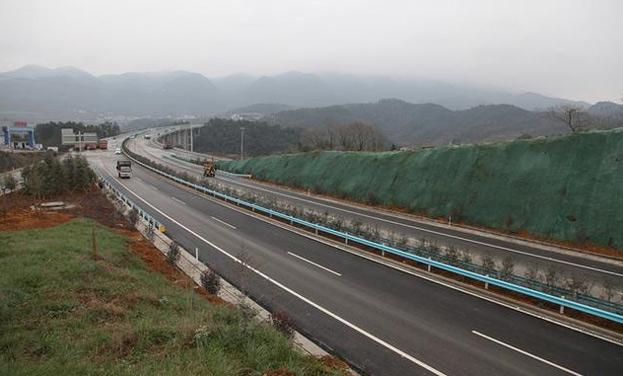 開黔高速息烽段基本建成 即將通車