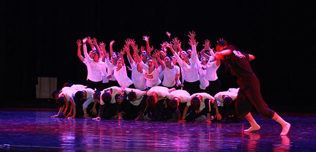 原創大型民族歌舞劇《射背牌》