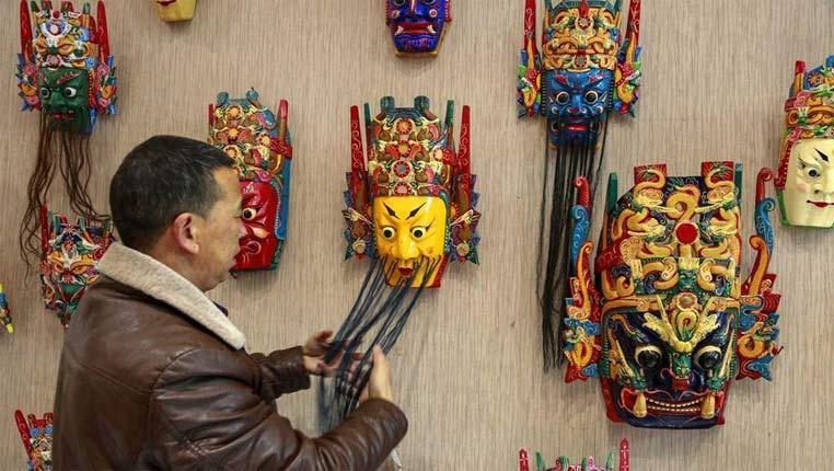 貴州安順:精雕細琢的地戲面具