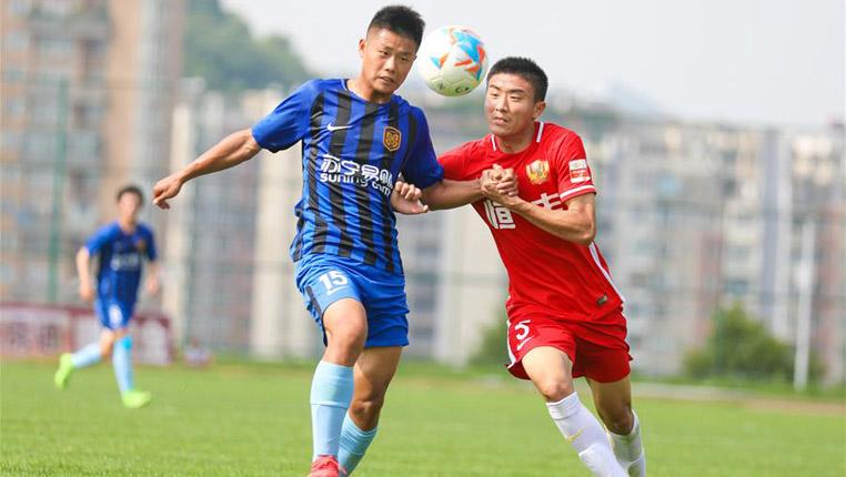足球——全国青少年超级联赛:贵州恒丰不敌江苏苏宁易购