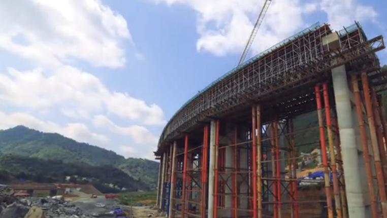 """航拍:貴州高速公路是怎樣""""煉""""成的"""