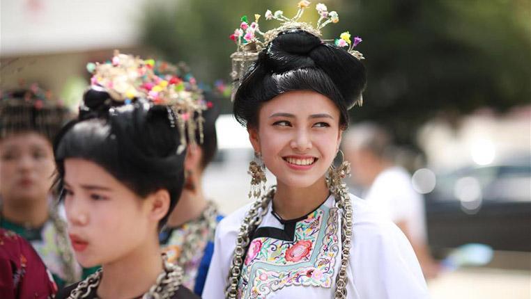 贵州榕江:相思节上秀盛装