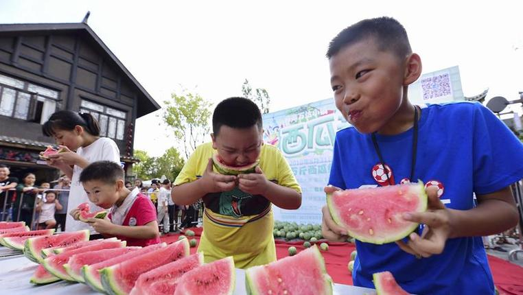 貴州丹寨:趣味西瓜節 歡樂度周末