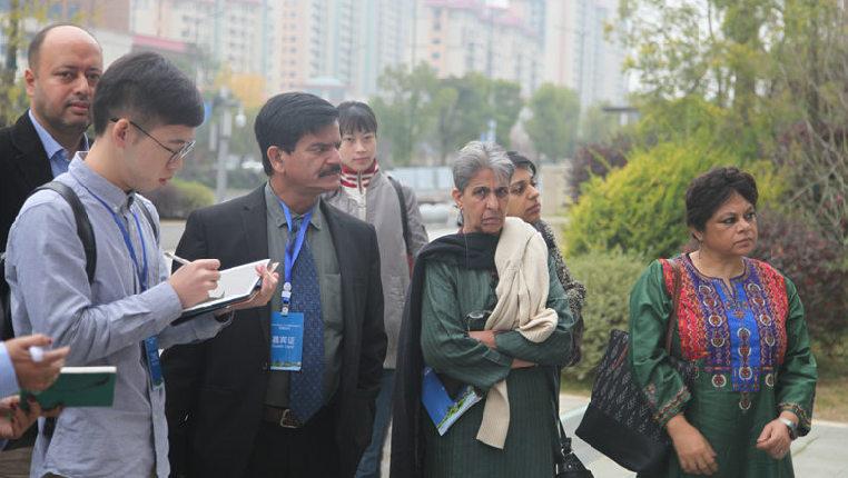 印度主流媒體代表在貴州體驗採訪