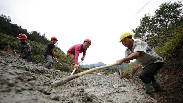 貴州丹寨:推進鄉村公路建設 編織鄉村致富網絡