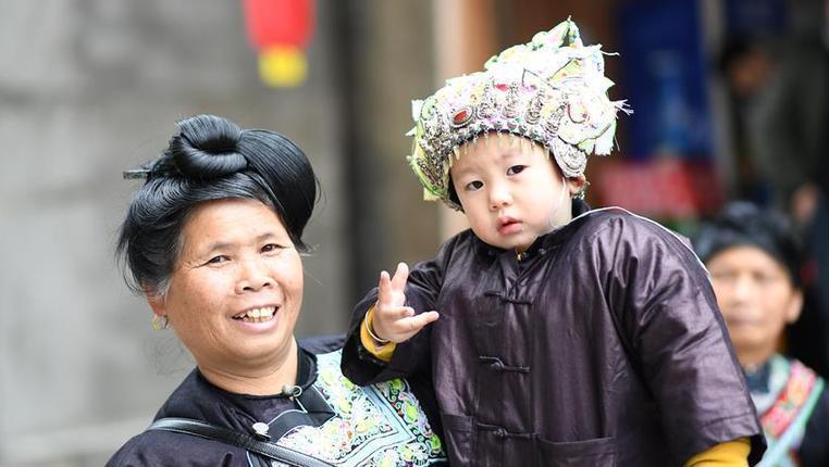 貴州榕江:侗族萌娃盛裝秀