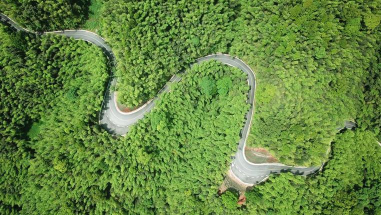 貴州赤水:旅遊公路富民興旅