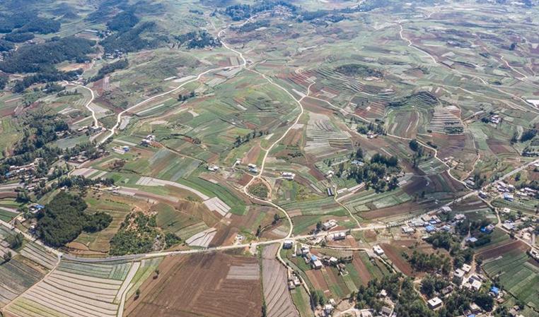 貴州:30戶以上村民組100%通硬化路