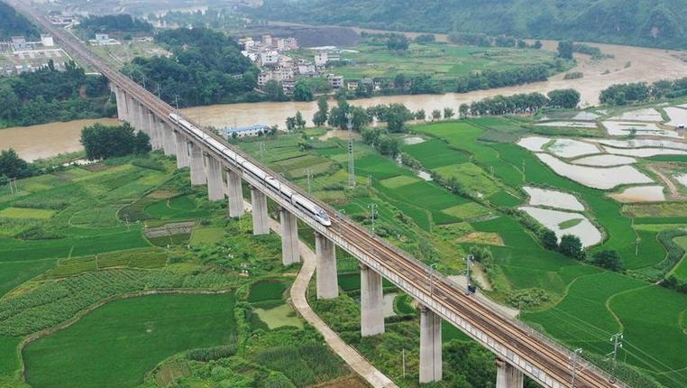 全國鐵路7月10日起實施新的列車運行圖