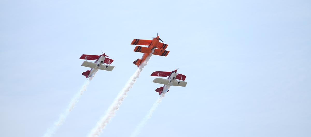 pitts飛機三機表演