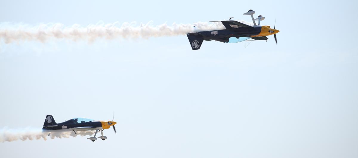 XA-42雙機表演