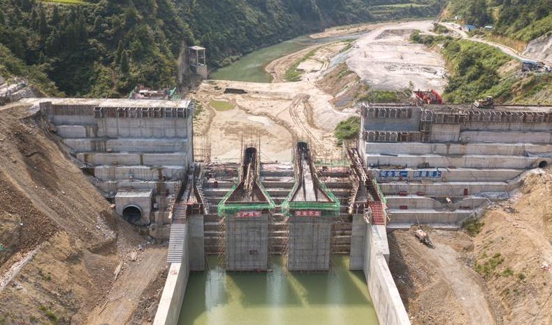 貴州:扶貧重點工程空寨水庫大壩順利封頂