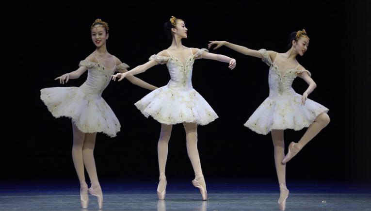 貴陽:芭蕾愛好者足尖綻放優雅