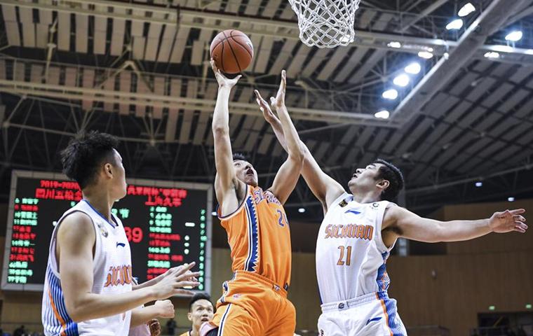 籃球——CBA季前賽:上海久事勝四川五糧金樽