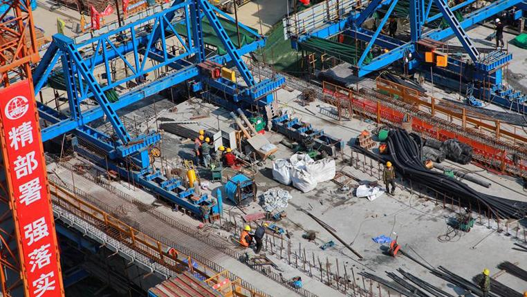 貴陽:人民大道火車站大橋建設進展順利