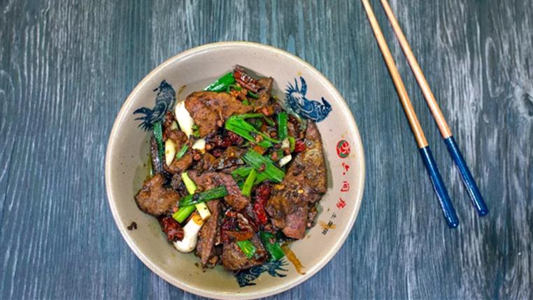 周末吃什麼? 貴州宮爆豬肝,多汁又鮮嫩