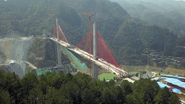 建設中的貴州劍榕高速清水江特大橋