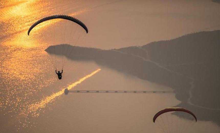 2019翱翔貴州·國際滑翔傘邀請賽開幕