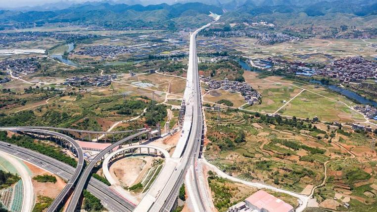 """貴州省首個""""四改八""""高速公路項目將于年底建成通車"""