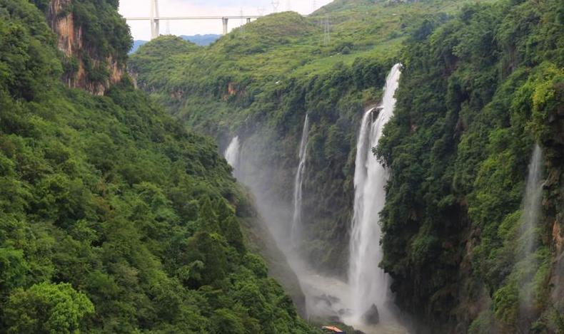 貴州馬嶺河峽谷迎來最佳觀瀑期