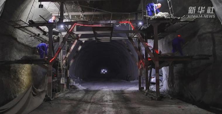 新華微視∣貴州:威圍高速最長隧道貫通