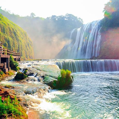 黃果樹旅遊區:觀壯美瀑布 享天然氧吧