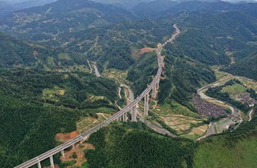 貴州劍榕高速建成通車