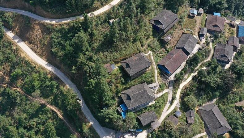貴州:深度貧困村拉術村的蛻變