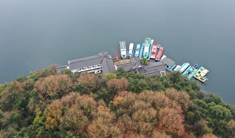 航拍貴陽紅楓湖 綠色發展促生態效益社會效益雙贏