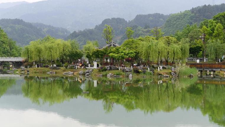 """貴州仁懷:""""垃圾場""""變身城市公園"""