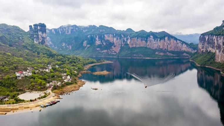 貴州黔西:化屋旅遊持續火爆 助推鄉村振興